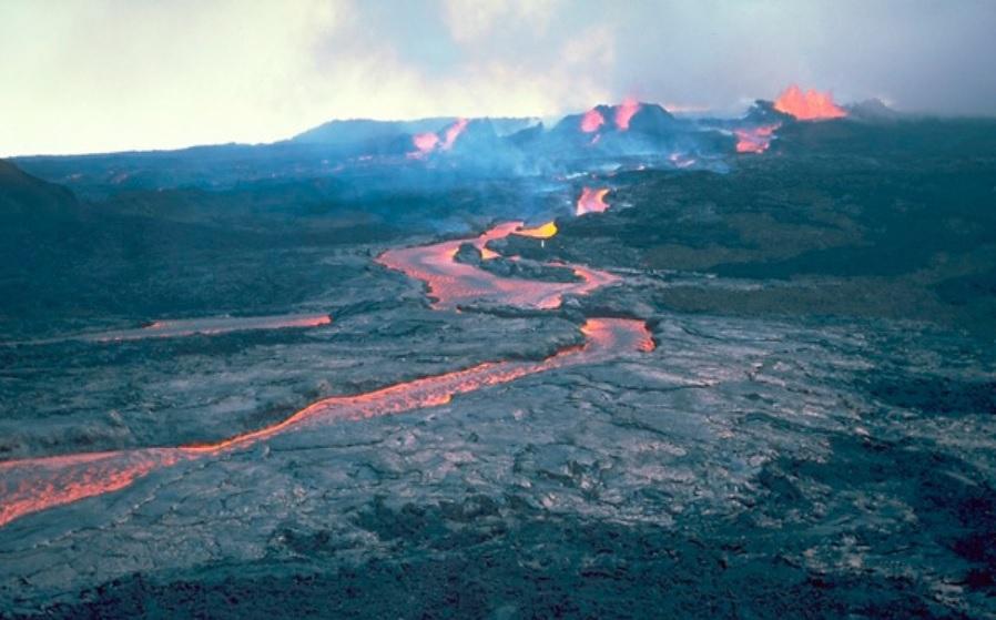 O maior vulcão do mundo pode entrar em erupção, alertam especialistas - 1
