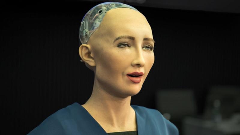 Robô que prometeu exterminar a humanidade apresenta sua